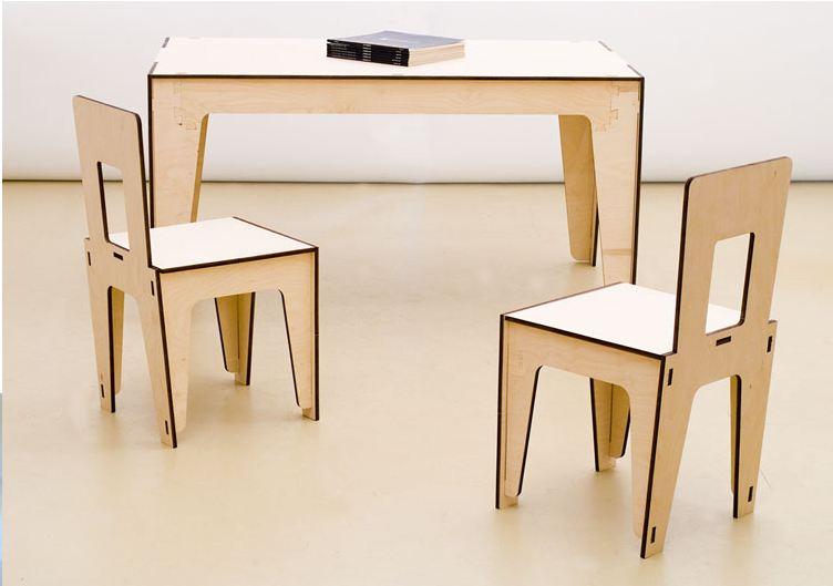 Tavoli e sedie onfuton for Riflessi tavoli e sedie