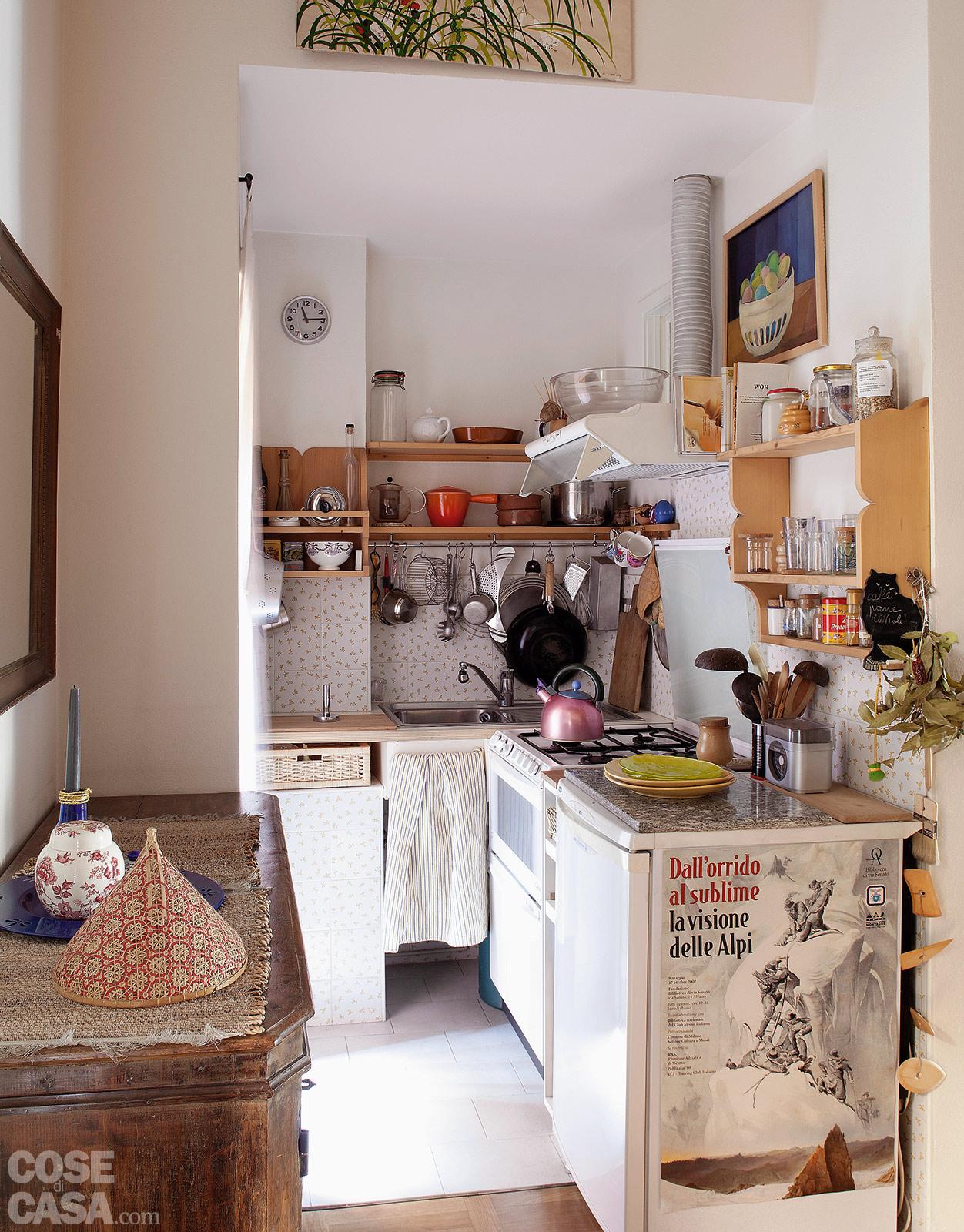 Cose di casa divano letto mago onfuton piccolo for Idee arredamento soggiorno fai da te