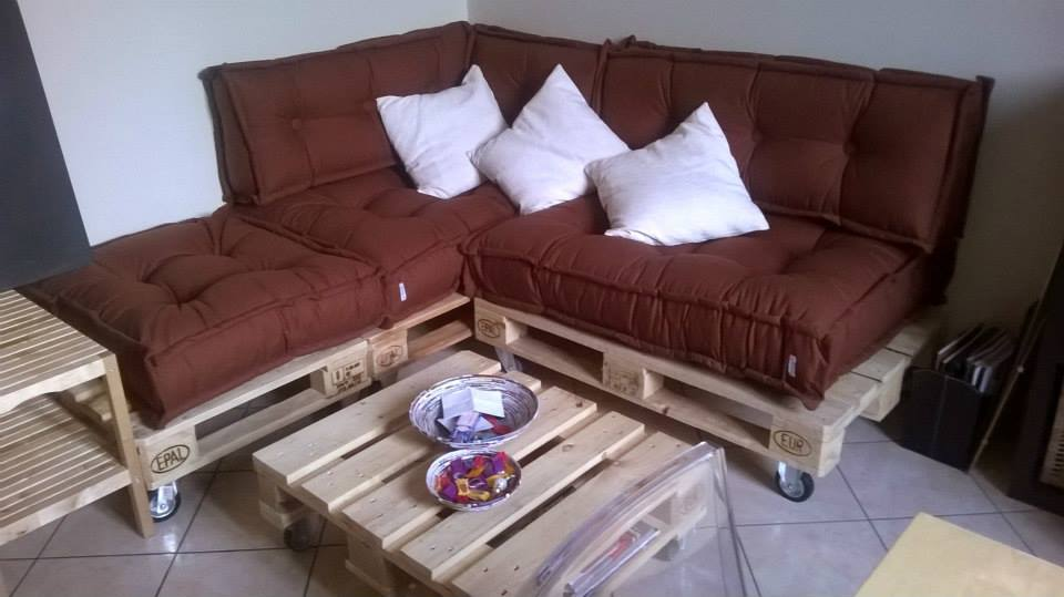 Divano cuscini trapuntati tabouret materasso a terra 7 for Cuscini materasso arredo